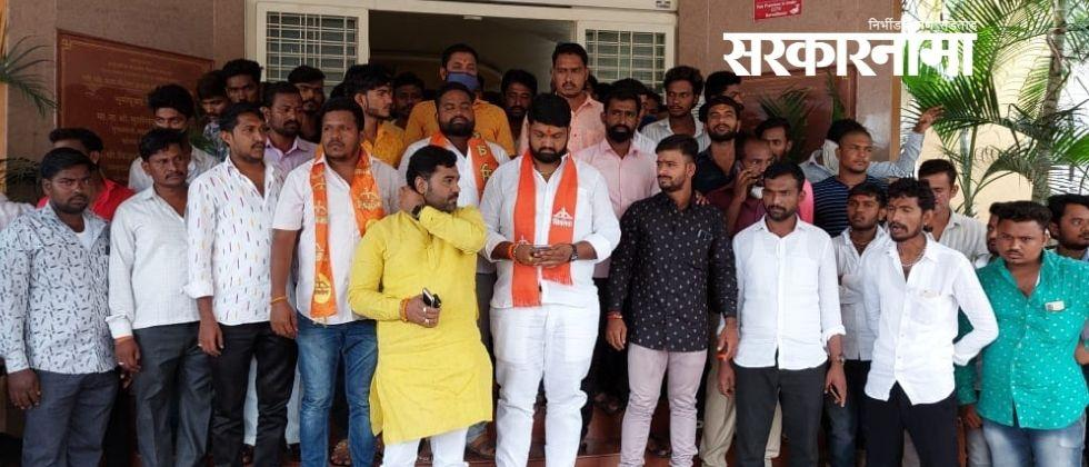 Two groups from Solapur Shiv Sena came face to face