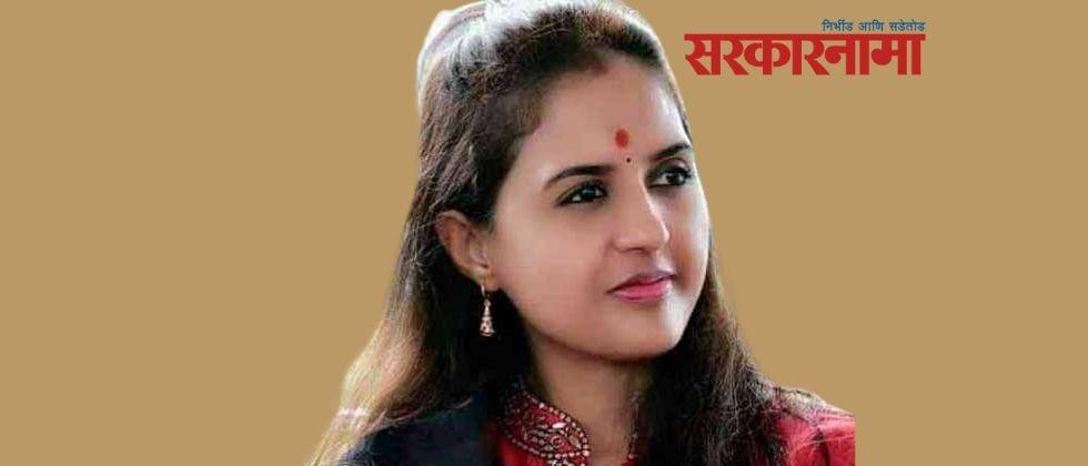 Munde Supporters 14 office bearers of Beed BJP resigned