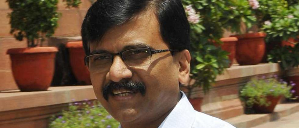 Sanjay Raut takes soft Stand on Congress Lead Meeting