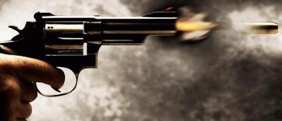 In UP, a BJP leader shot a young man in front of government officials