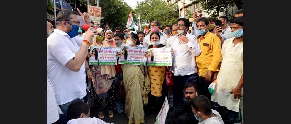 Congress takes out rallies against victimisation of Rhea Chakraborty