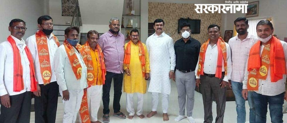 BJP workers from MLA Mahesh Landages constituency joined Shiv Sena