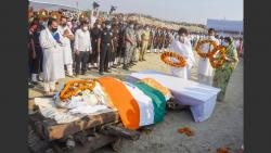 chirag paswan fainted after performing last rites of his father ramvilas paswan