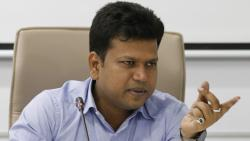 Pune Collector Naval Kishore Ram Warns another Lock Down