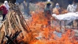 daughter jumps on funeral pyre of  COVID 19 positive father in rajasthan