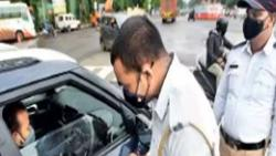 Wearing a mask is not mandatory for family travelling in four wheelers in Pune from now