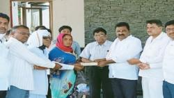 Mla Suresh Dhas Help to poor woman news beed