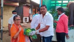 Nashik Sarpanch Distributed Vegetables in City for Free
