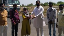 School girl gave her savings for CM Fund through Jayant Patil