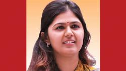 pankaja-munde news about reaction