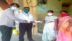 Five lakh checks distributed to heirs of 16 victims of oxygen leak accident