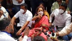 ambil odha protesters raise solgans about ajit pawar in front of supriya sule