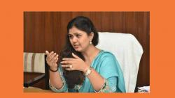 pankaja munde answar was one statement in khadase