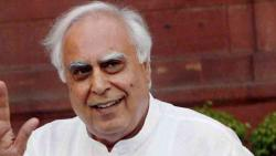 kapil sibal targets central government over lockdown policy
