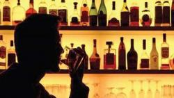 The liquor seller went to the excise officer