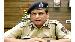 The state DGP had to become the CP of Mumbai today