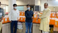 MLA Rohit Pawar give Five Hundred Leaters of Sanitizer to Police