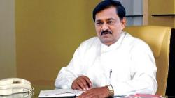 ex minister subhash deshmukh communicated with farmers in solapur district