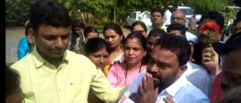 Chagan Bhujbal Supporter Dilip Khaire Cried During Celebration