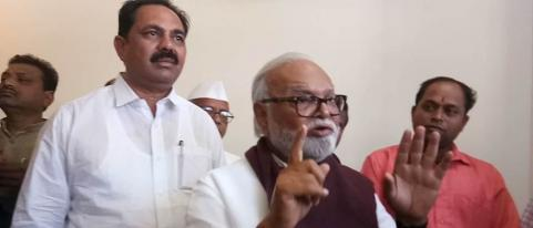 chagan bhujbal criticizes modi supporters for comparing modi with shivaji