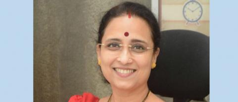 chitra wagh criticizes government hinganghat woman burn issue