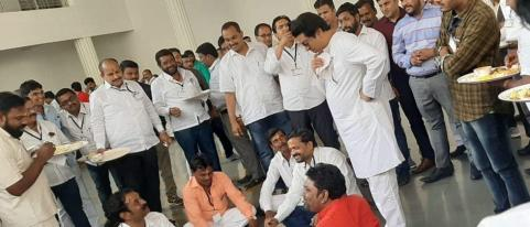 Raj Thackeray Informal Talks with Party Office Bearers
