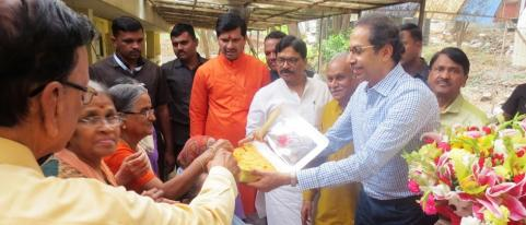 Uddhav Thackeray Visited Ramadham Old Age Home in Khopoli
