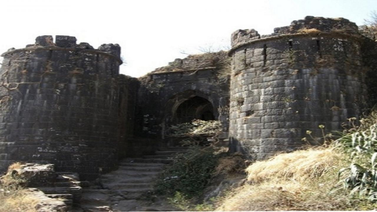 Shiva lovers are strongly forbidden to go to this fort ...